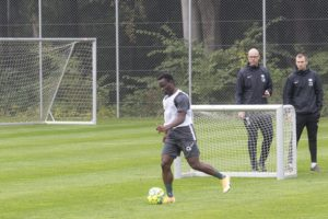 PHOTOS: Clinton Antwi begins training at Esbjerg fB