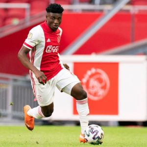 Kudus Mohammed assists as 10-man Ajax beat Vitesse Arnheim 2:1