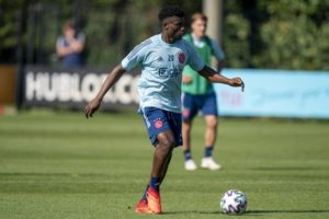 VIDEO: Mohammed Kudus displays strength & quick feet with this training goal at Ajax