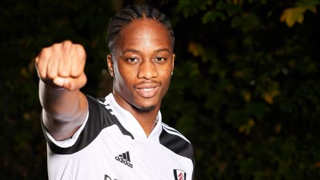 Fulham sign Kongolo from Huddersfield