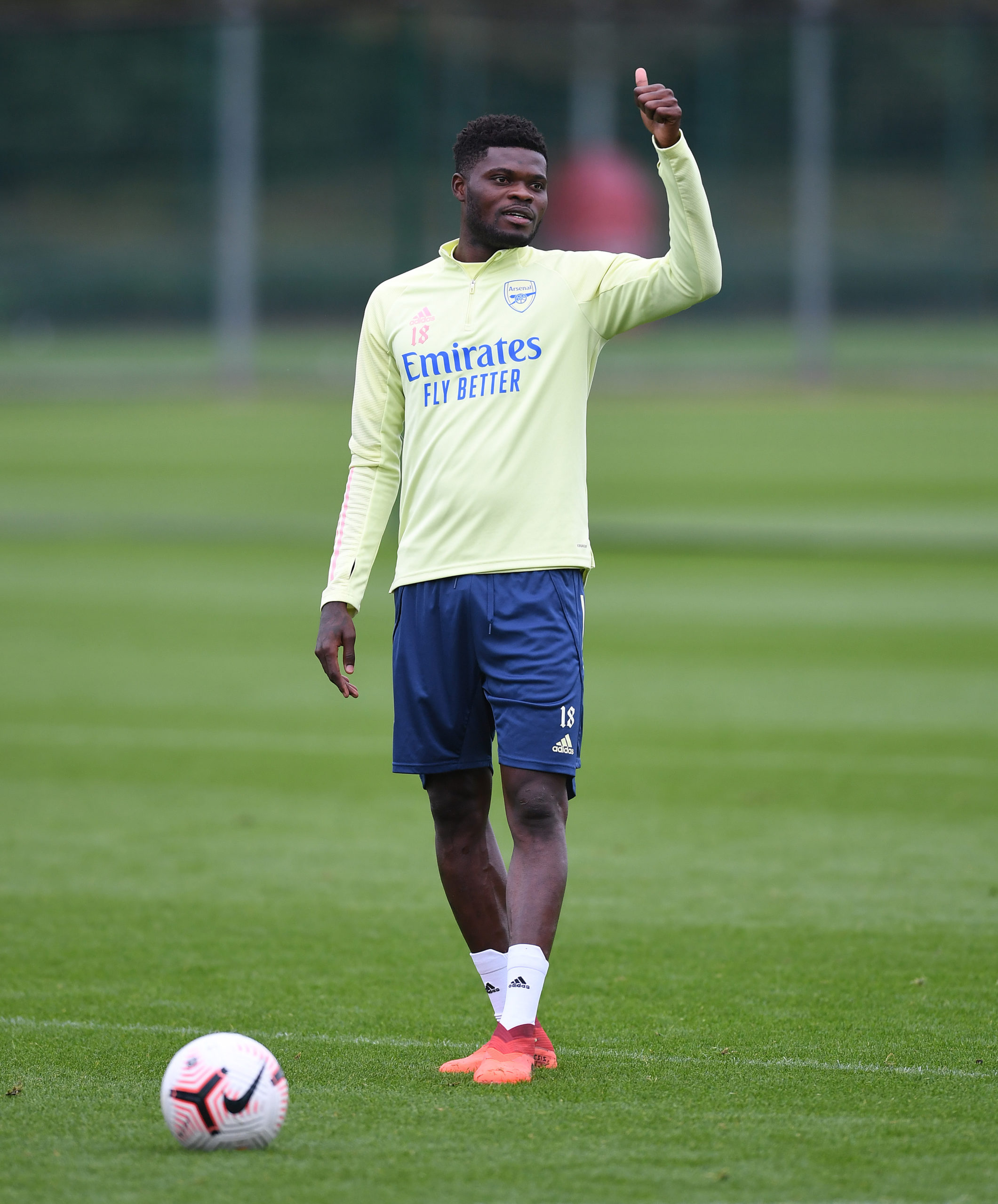 Asamoah Gyan offers support to Partey after Arsenal move