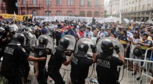Argentina fans, police clash over access to Maradona wake