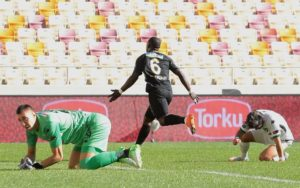 Video: Ghanaian midfielder Afriyie Acquah scores magnificent goal for Yeni Malatyaspor against Buyuksehir
