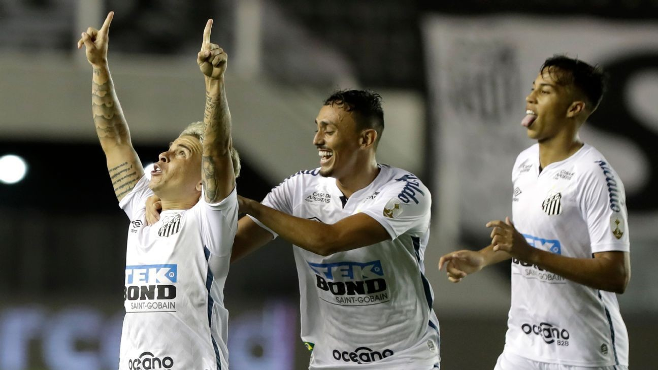 Santos beat Boca, will face Palmeiras in Copa final