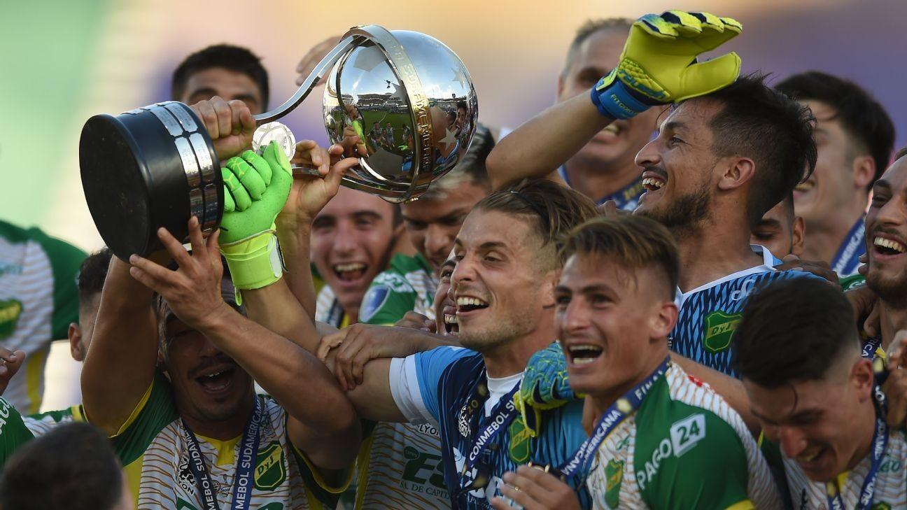 Hernan Crespo guides Defensa to Copa Sud title