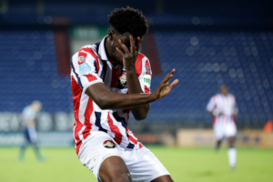 Kwasi Okyere-Wriedt scores to earn point for Willem II in draw at Waalwijk