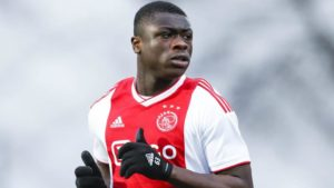 VIDEO: Brian Brobbey hits penalty out of stadium against Almere