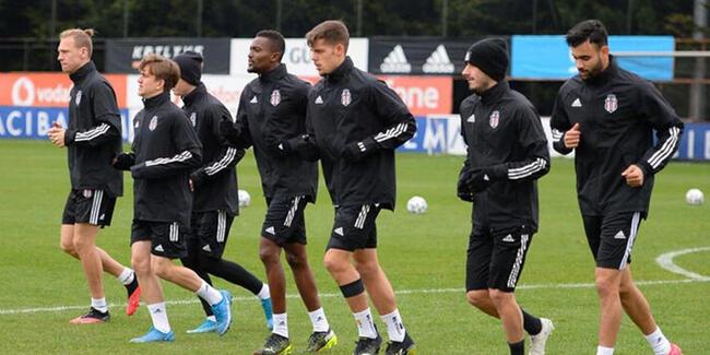 Bernard Mensah trains with teammates to prepare for Besiktas next league game