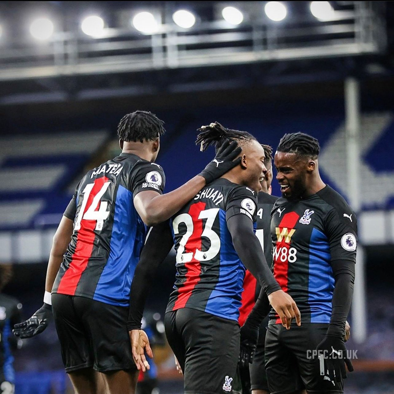 Ghana's Jeffrey Schlupp assists goal for Crystal Palace in draw against Everton
