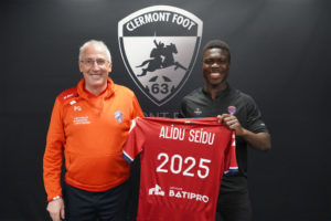 Ghanaian defender Alidu Seidu pens new four-year Clermont Foot contract