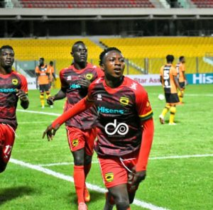 Highly-rated striker Osman Ibrahim signs 2-year contract extension deal with Asante Kotoko