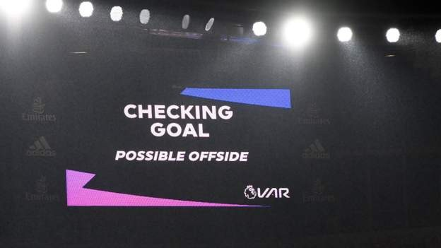 Premier League to use thicker VAR lines