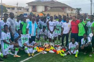 Former Inter Allies star Clifford Aboagye donates to Cedar Stars
