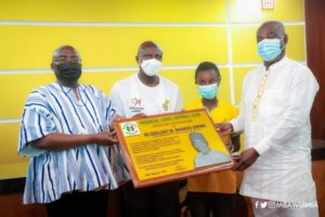 Vice President Mahamudu Bawumia presents Ghs 50,000 to Hasaacas Ladies for winning WAFU B Women's CL trophy