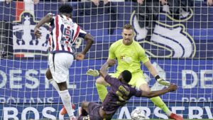 Ghana striker Kwasi Okyere Wriedt stars with goal and assist to help Willem II to defeat Groningen 2-1