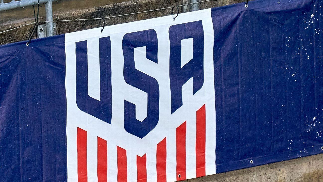 U.S. Soccer offers men's, women's teams identical deals