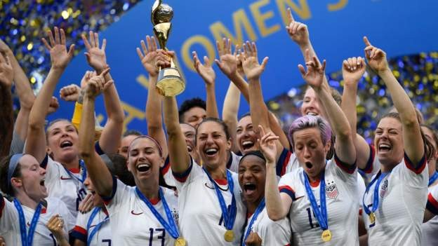 US men's and women's teams offered equal pay