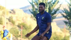 Ghanaian international Benjamin Tetteh trains with Yeni Malatyaspor teammates ahead of Fatih Karagümrük match