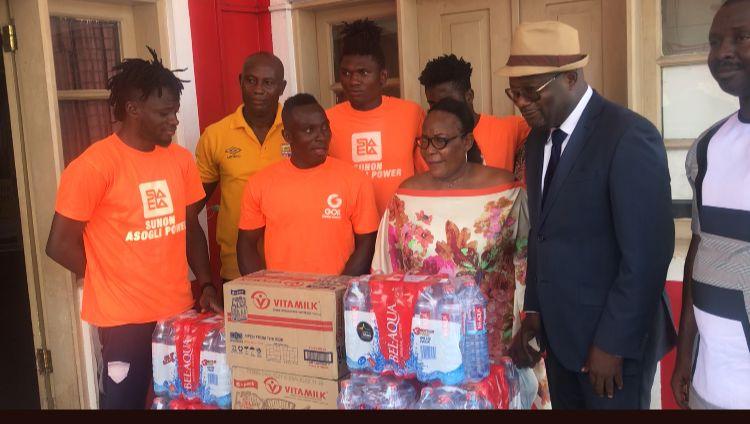 Hearts of Oak receive donation from Ghanaian politician Kofi Akpaloo ahead of Wydad showdown