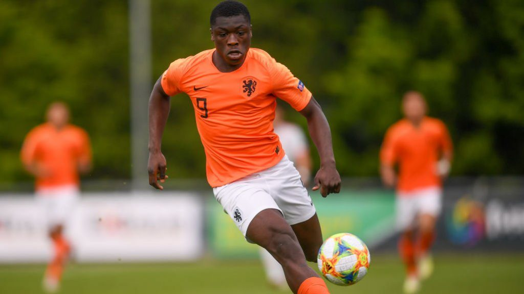 Attacker Brobbey leaves the Dutch U21 team injured